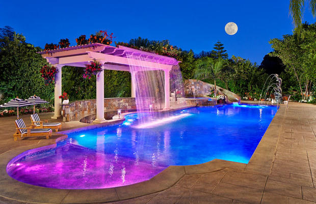 underwater lighting - pool lights - houston landscaping